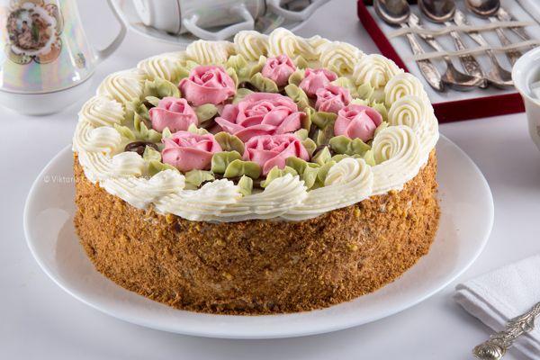 Есть такие люди, которые предпочитают всем современным муссовым тортам, головокружительным вкусовым сочетаниям и поражающим воображение текстурам, те самые…