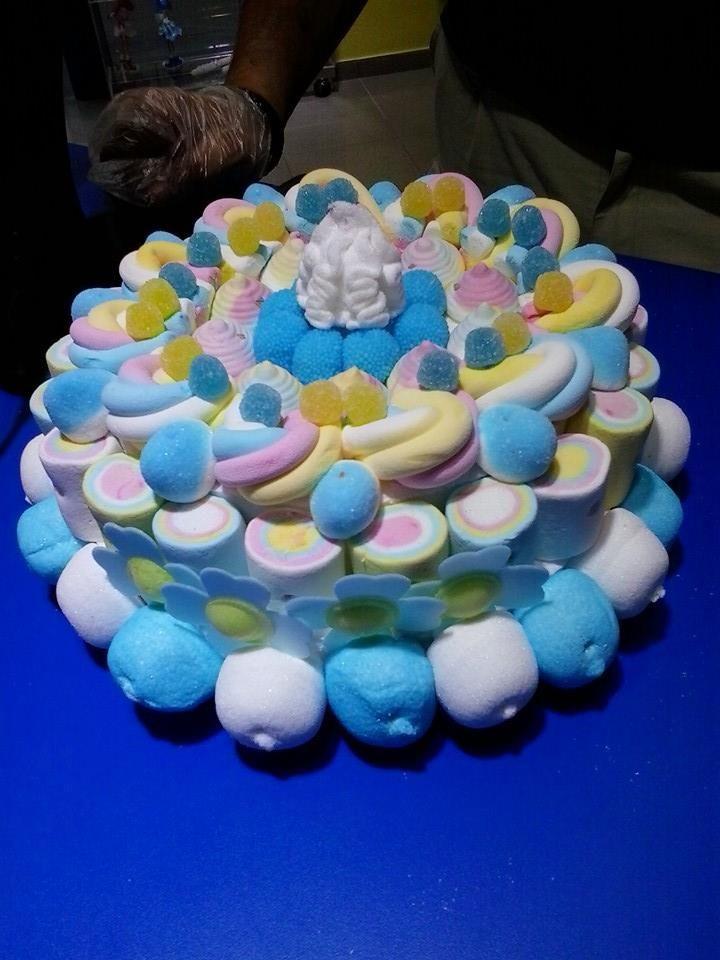 ¡Que maravillosa tarta para bautismo ha elaborado Duldi Sant Josep! Seguro que consigue arrancar más de una sonrisa.