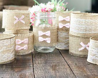 Conjunto de 10 arpillera y encaje mangas de tarro de masón / bebé decoración ducha nupcial ducha decoración / decoración de la boda