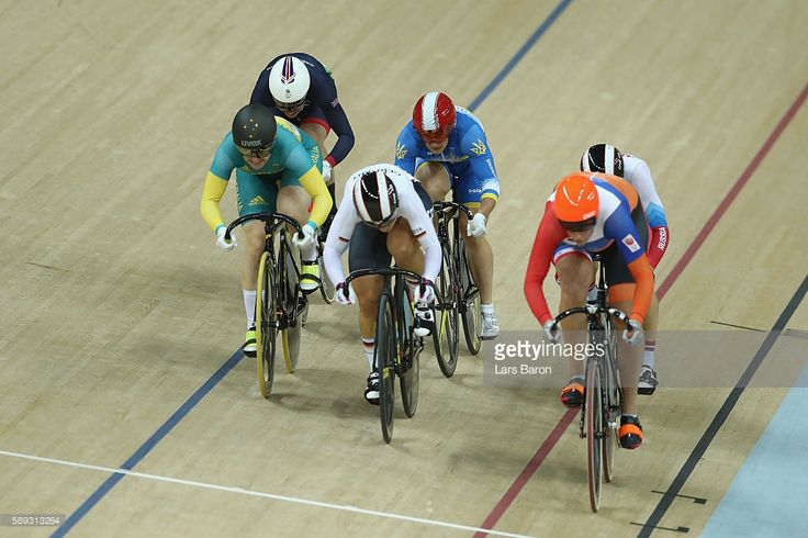 Anna Meares took bronze behind Elis Ligtlee of the Netherlands and Great Britain's Rebecca James in the Women's Keirin Final on Day 8 of the Rio 2016 Olympic Games at the Rio Olympic Velodrome on August 13, 2016 in Rio de Janeiro, Brazil. #rio2016 #cycling