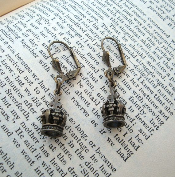 Crown earrings - antique bronze charms by PirateTreasures #jewellery