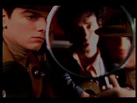 Ella Usó Mi Cabeza Como Un Revolver- SODA STEREO- Video Oficial- Stanleyfilms- Director: Stanley