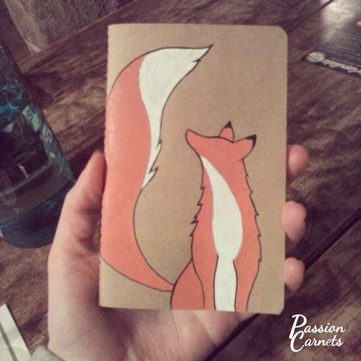 Passion Carnets - Renard dessiné au Posca sur un carnet. Fox and notebook.