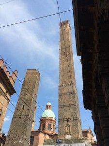 As duas torres de Bolonha: