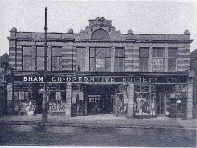 The Co-op, Soho Road. Thanks to Leonard Price Birmingham History Group https://www.facebook.com/handsworthhistsoc/photos/a.924189160982487.1073741829.780874875313917/954936501241086/?type=3