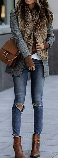 ♥️ Charcoal grey blazer, cognac sweater, shoes & shoulder bag, white t-shirt, skinny jeans, brown faux fur oblong scarf