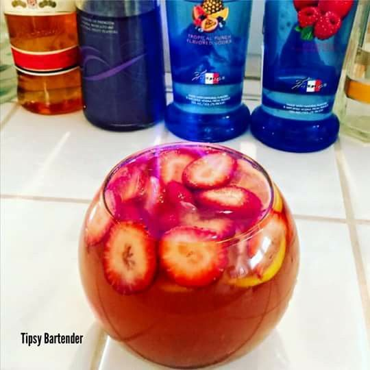 Best 25 fishbowl drink ideas on pinterest most popular for Fish bowl punch