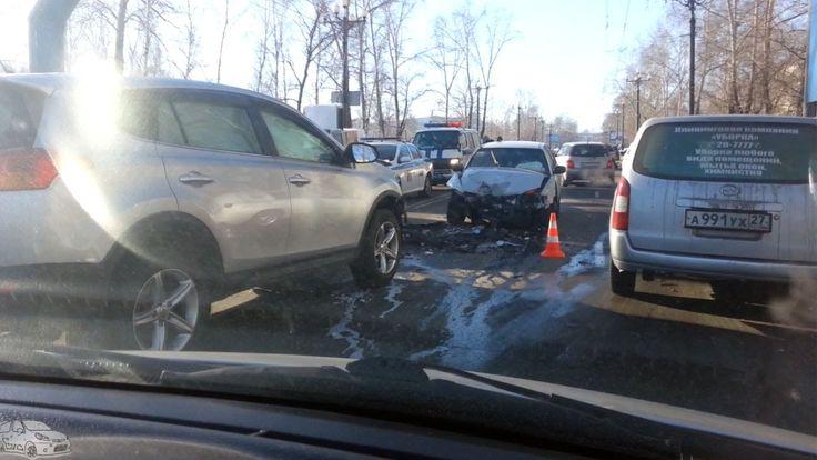 Авария на перекрестке с участием Тойота Рав за 1,7 млн  р и Тойота Камри