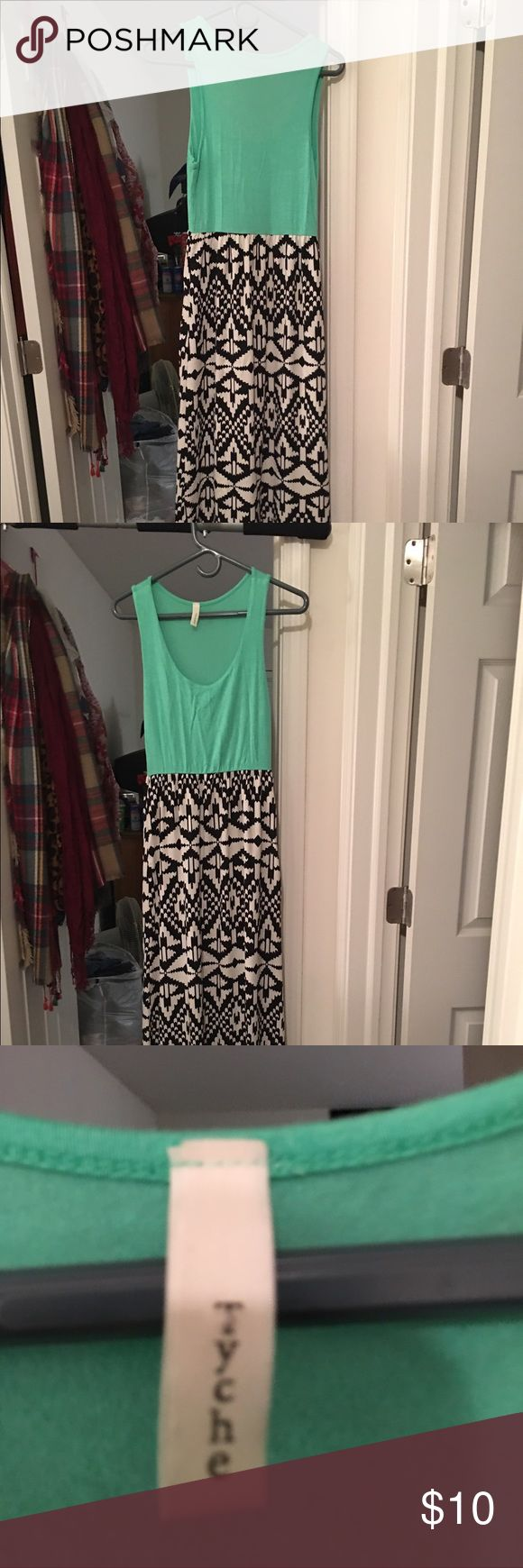 Cute green maxi with Aztec print Really cute Aztec print skirt green maxi size medium would be great for wedding or backyard BBQ Dresses Maxi