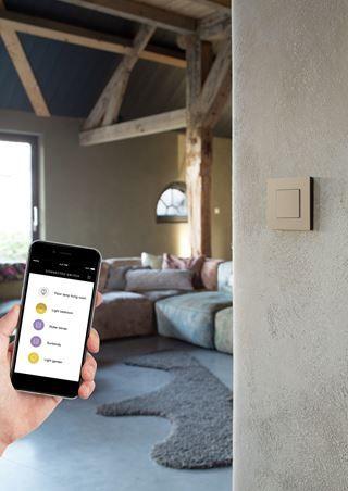 Ga voor een slimmer huis bedien je schakelaars met je smartphone niko home control