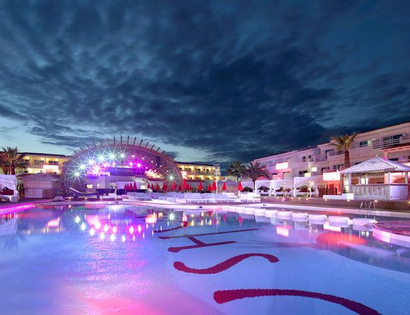 Ushuaia Ibiza!! Amazing!!! Cannot wait to see Guetta here!