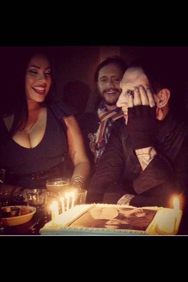 mm' s bday Marilyn Manson
