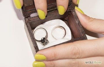 how to clean silver jewelry at home with baking soda