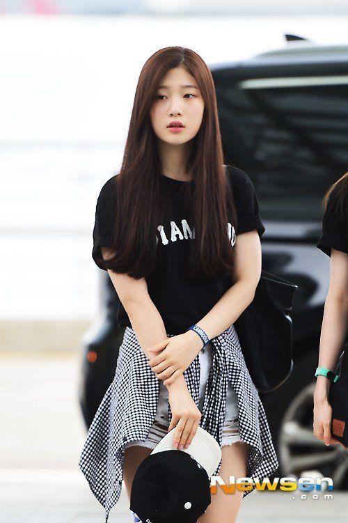 DIA member Chaeyeon