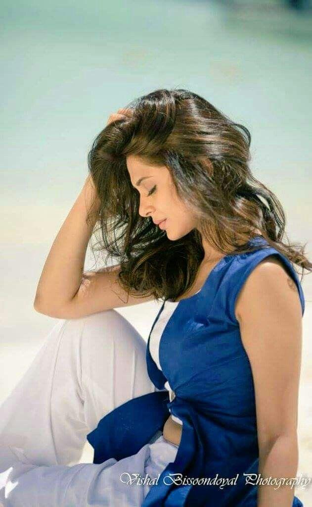 Blue White Beautiful Jennifer Winget Jennifer Winget Beyhadh Jennifer