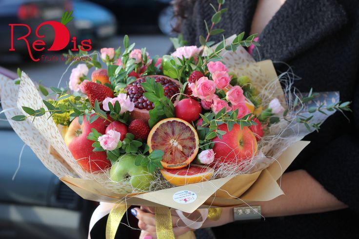 Овощные и Фруктовые букеты в Одессе!🍒 Создадим действительно красивые и незабываемые подарки для ваших близких людей! Это грамотное вложение в подарок, вы произведете впечатление на всех, c нашими фруктовыми авторскими букетами! • Наши букеты – вкусняшки, делайте заказы у нас!🍓🍏 •ReDis приготовит для вас вкуснючие и класнючие букеты! 😋🍎🌺 • Для заказов ☎️ +38(067)9304943 🍊Viber🍋WhatsApp.