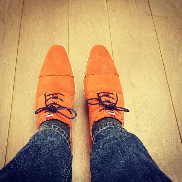 Oranje schoenen van Manfield. Voor www.b4men.nl
