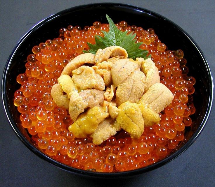 北海海鮮丼 Ikura Uni Donburi. Marinated salmon roe with sea urchin rice bowl.
