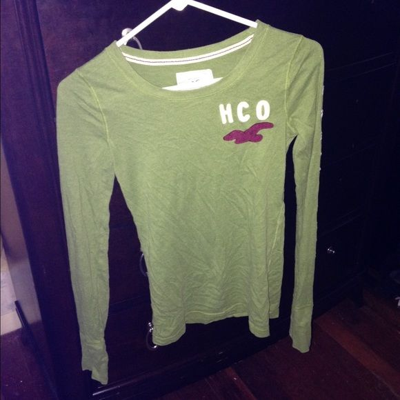 Hollister Green long sleeve top Bright green. Flash pictures(1&3) are true colors. Soft and cute Hollister Tops Tees - Long Sleeve