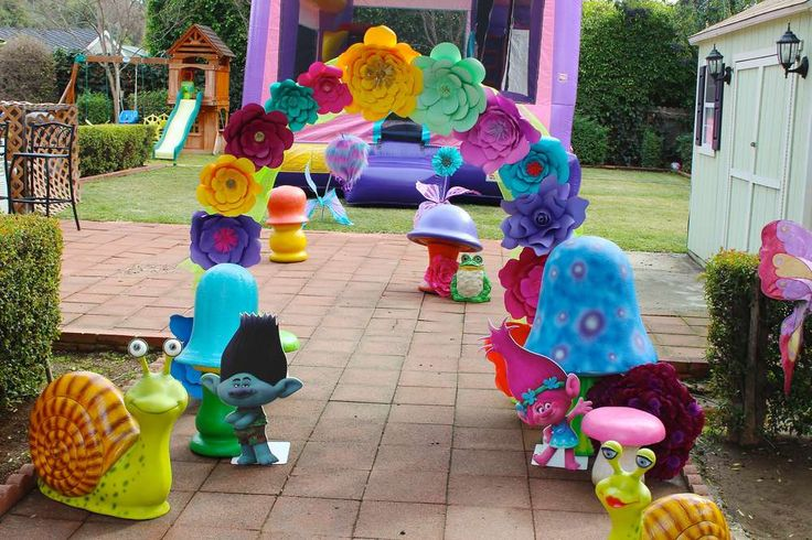 Trolls Birthday Party Ideas | Photo 3 of 30