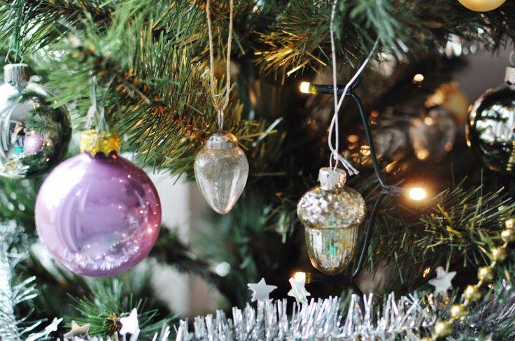 fashionable.com.pl christmas, decor, silver, home, christmas tree, święta, dekoracje świąteczne, choinka, bombki,