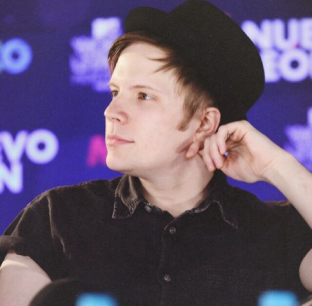 Patrick is so CUTE from the side!I want to date him but,he has a life so he's hard to find.