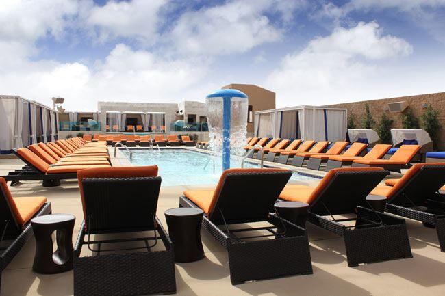 Sapphire Pool & Day Club. Sapphire Las Vegas, el mayor club de caballeros en el mundo, ha estrenado una nueva atracción de la tarde - Sapphire Pool & Day Club. http://lasvegasnespanol.com/en-las-vegas/sapphire-pool-day-club/