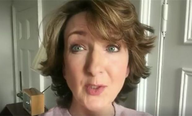 Fans praise Victoria Derbyshire as she removes her wig 12 months on from cancer treatment