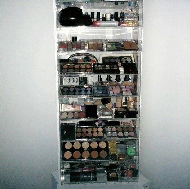 My makeup furniture :)