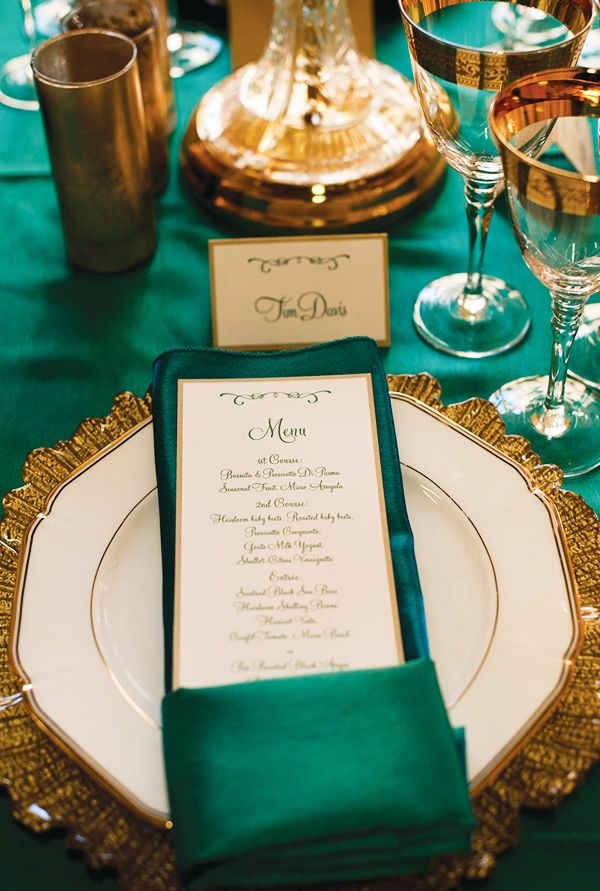 Love the Antique Gold and Emerald Green Color Scheme! Wizard of Oz Party Inspiration