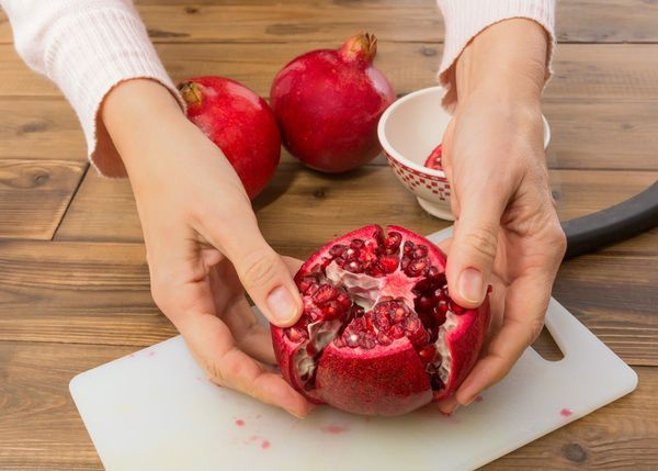 Anleitung: Granatäpfel schneiden und entkernen, Foto: CanStockPhoto/Anke