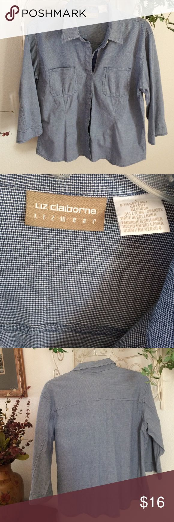 Women's blue and white blouse Liz Claiborne blue and white check shirt. Large tapered blouse Liz Claiborne Tops Blouses