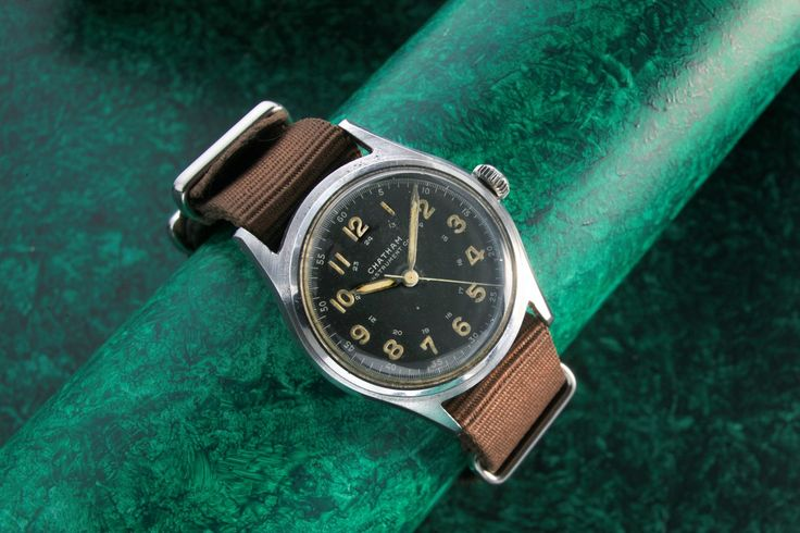 Chatham Instrument Co. Very rare Chatham instrument company military watch circa 1940's The 33 mm stainless steel case houses the universal calibre 263 movement signed by Chatham instrument co. And comes with original dust cover still intact Stock number 323