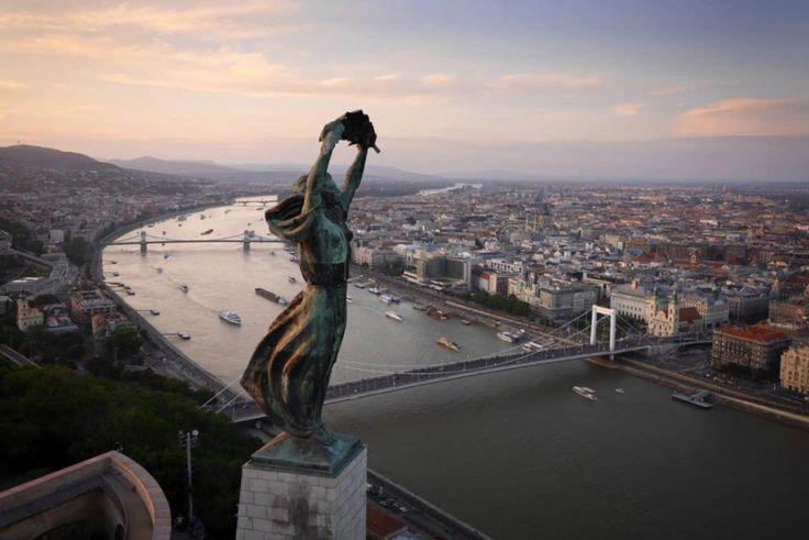 Estátua da Liberdade, Budapeste, Hungria