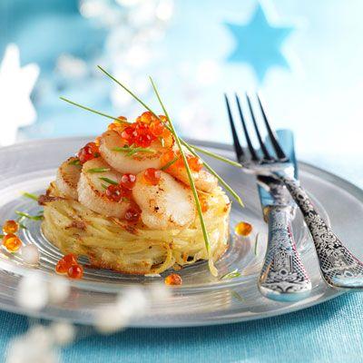 Découvrez la recette Galettes de pommes de terre aux Saint-Jacques sur cuisineactuelle.fr.