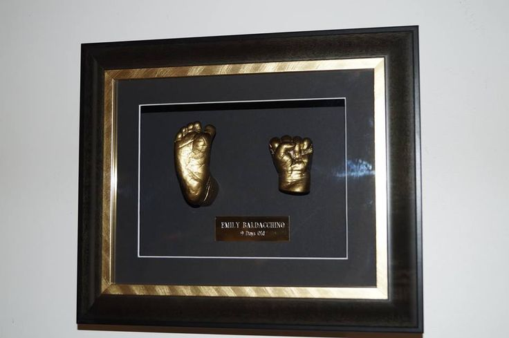 2x hands or 2x feet (or one of both)  1x Plaque -  Choose colour of mounting board - Choose your frame, from standard or custom. All frames come with a life time warranty. Book Your session today. Go to our facebook page. www.facebook.com/3dbodycasting