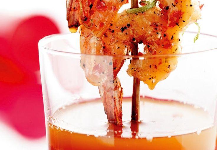 Grillspyd med rejer og chili-lime-olie | Iform.dk