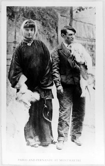 Picasso et Fernande Olivier, Montmartre, 1906. Fernande had been living with Picasso at Le Bateau-Lavoir since the autumn of 1905.