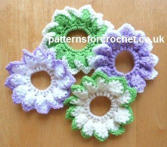 Free crochet pattern for petal scrunchie. http://www.patternsforcrochet.co.uk/petal-scrunchie-usa.html #crochet