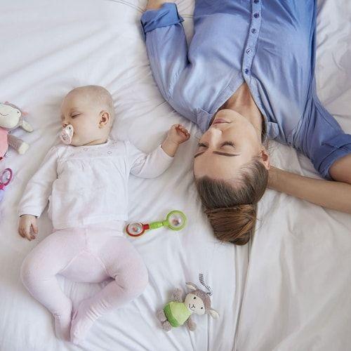 """Coprifasce neonato: cosa sono? E come sceglierle per la """"borsa per l'ospedale""""? #gravidanza"""