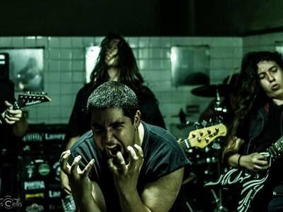 Cursed Cowboys – Running Apocalypse ¿Alguien dijo Groove Metal?
