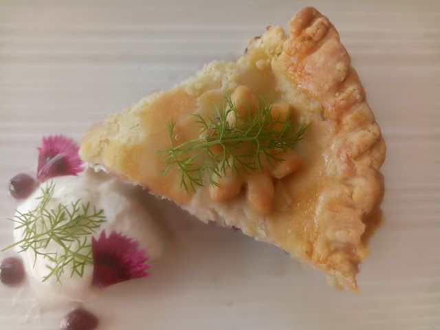 Blending Flavours: Pie With Mulberry Jam Filling