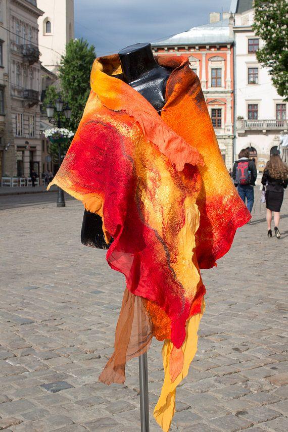 Искусство шарфы / нуно чувствовал шарф, шерстяной шарф, Fiery Orange шарф, нуно чувствовал обертку, войлочных шелковый шарф, nunofelting шарф, шелк, шерсть, Boho платок / OOAK