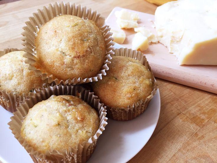 Muffin salati con zucchine e grana padano