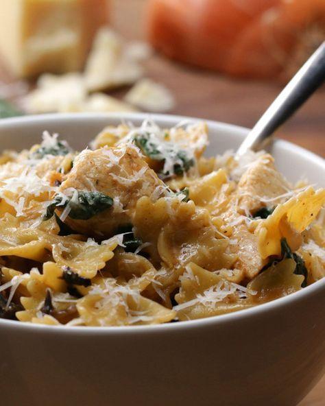 Pâtes au poulet et champignons crémeux «tout-en-un»   «One pot pasta»: pâtes au poulet et champignons crémeux
