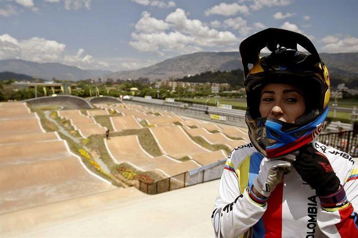 """Este escenario """"no es solo un regalo para mí, sino para el bicicross y para el país. Lleva mi nombre, pero esta es la pista de todos"""", sostuvo la deportista de 24 años. #ActosyNoticias+Deportes"""