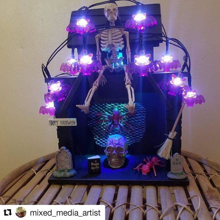 Credit to @mixed_media_artist  #huntedhouses #skeleton  #holloween #scarecrow #decorationideas #forsale 35.00 plus shipping    #HollywoodTapFL #HollywoodFL #HollywoodBeach #DowntownHollywood #Miami #FortLauderdale #FtLauderdale #Dania #Davie #DaniaBeach #Aventura #Hallandale #HallandaleBeach #PembrokePines  #Miramar #CooperCity #Plantation #SunnyIsles #MiamiGardens #NorthMiamiBeach #Broward