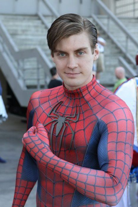 Best Toby-Spidey cosplay ever!?! Via comicbookcosplaymen on Tumblr. =0A0= #geek #superhero #spiderman