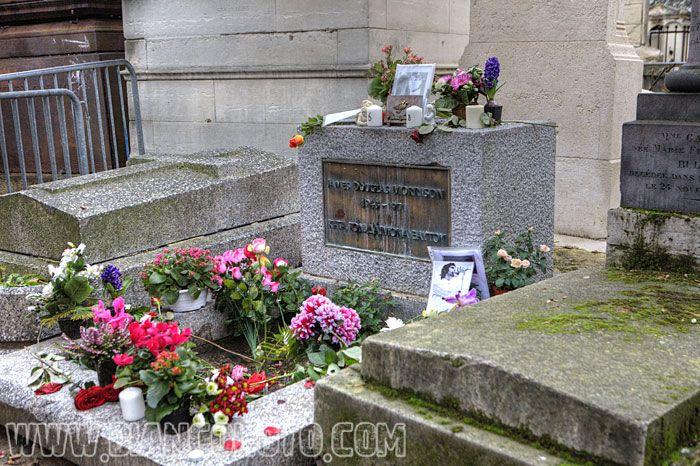 Париж, Кладбище Пер-Лашез    Джим Моррисон