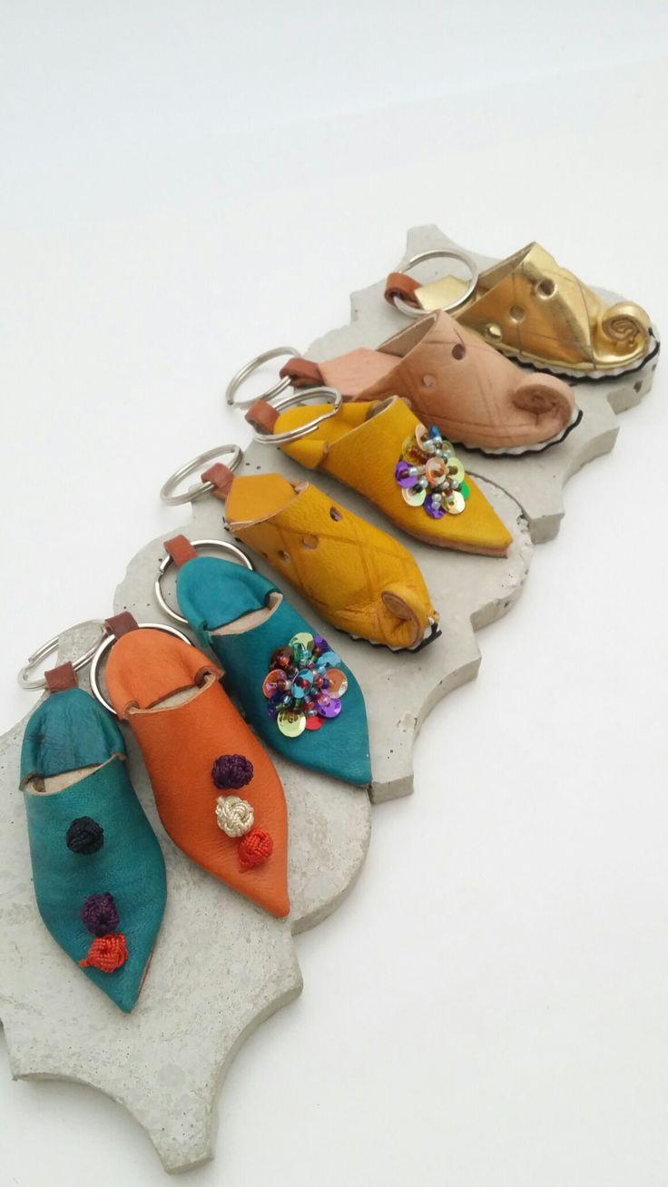Miniature slippers